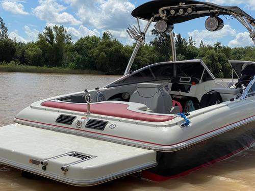 bermuda twenty one motor volvo  equipada para wakeboard