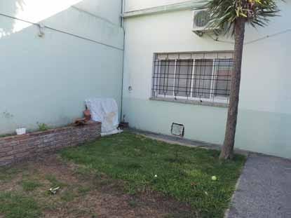 bernal, p:h. 3 amb. al frente,  jardin y cochera