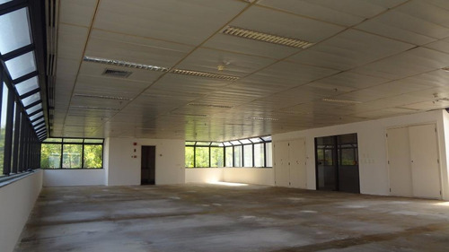 berrini - 195 m2 - dois conjuntos - 6 vagas - excelente andar  comercial - cj0680