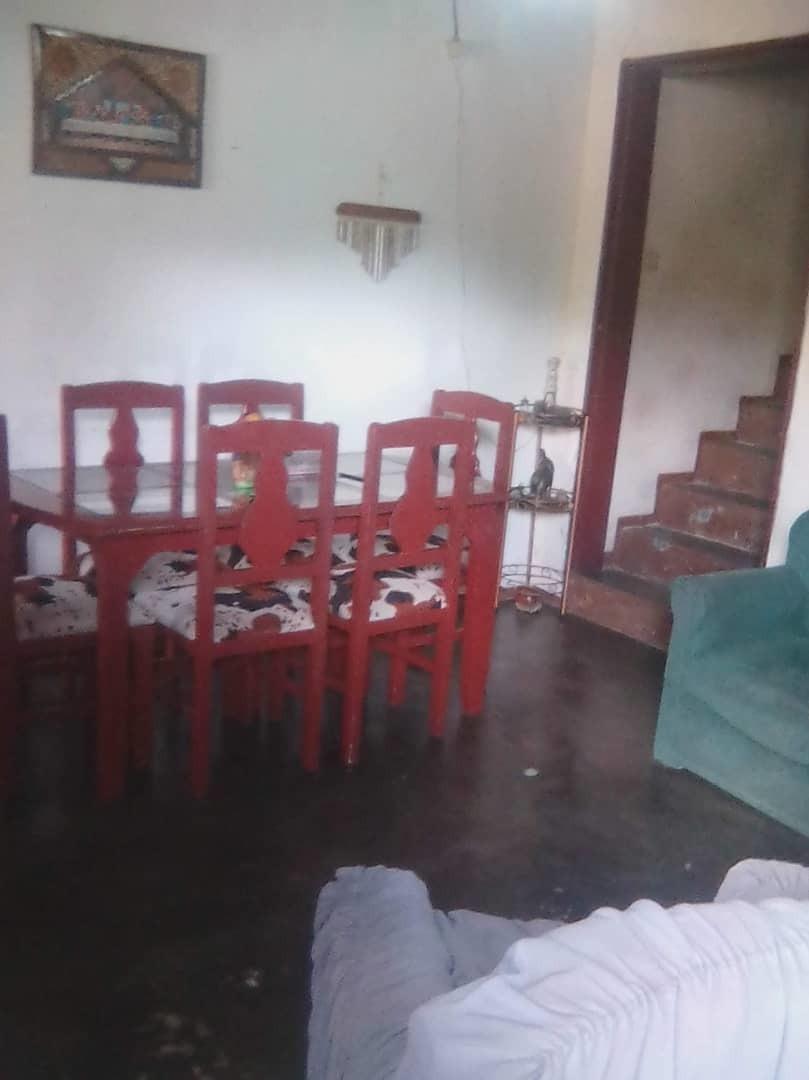 best house vende  casa en la avenida víctor batista