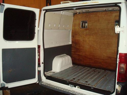 besta,trafic,kombi,ducato caminhonete furgao cargomotor ruim
