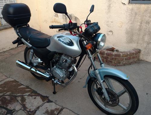 beta bk 150 cc baulera givi 30lts 24000km mecánica excelente