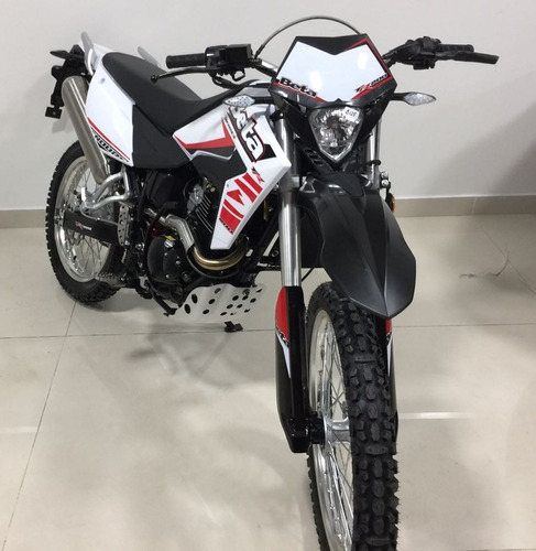 beta enduro motos