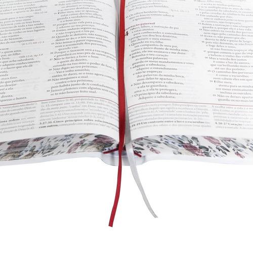 bíblia da mulher média estudo bordas floridas + capa brinde