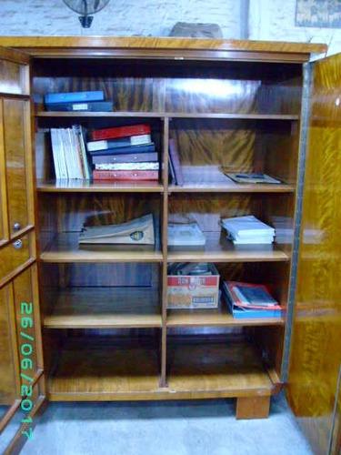 biblioteca antigua art deco de 1945