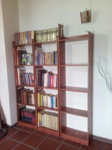 biblioteca de madera de 5 tramos