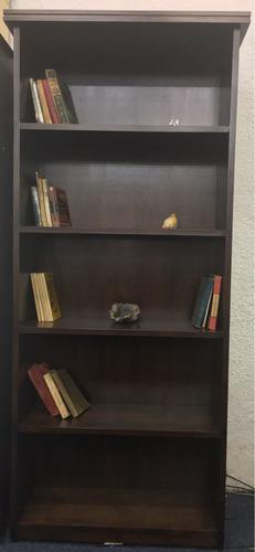 biblioteca en madera - composse equipamientos