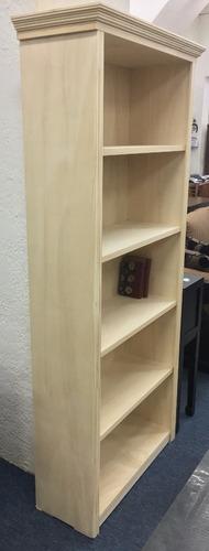 biblioteca en madera sin lustre - composse equipamientos
