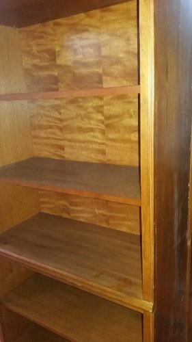 biblioteca en perfecto estado. excelente madera