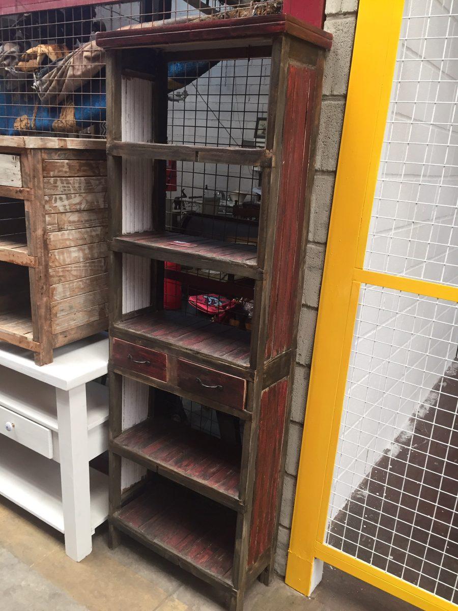 Muebles con maderas recicladas hay encuentra este pin y for Diseno de muebles con madera reciclada