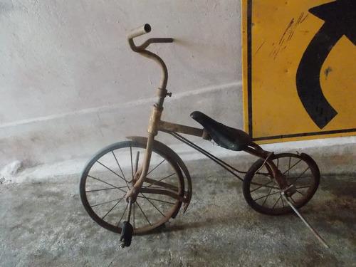 bicicleta antigua de niño