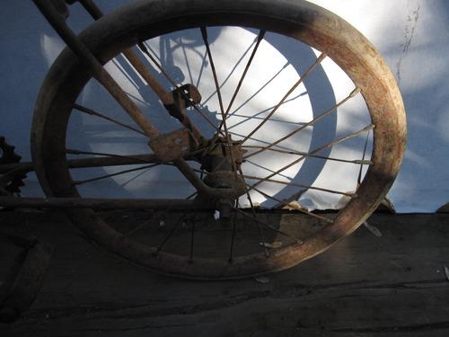 bicicleta antigua ,juguete-decoración.