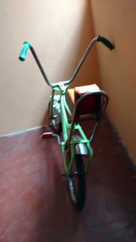 bicicleta  antigua niño