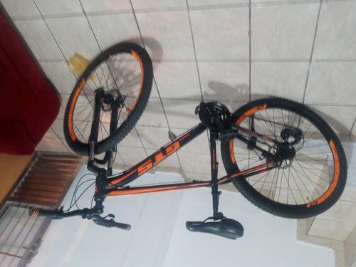 bicicleta aro 29. freio a disco.