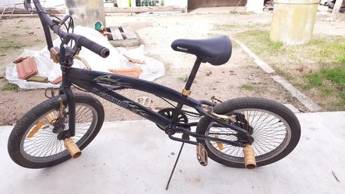 bicicleta bmx baccio