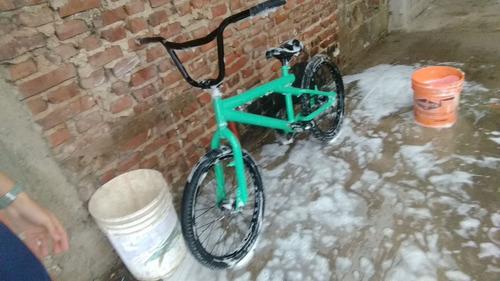 bicicleta bmx giant