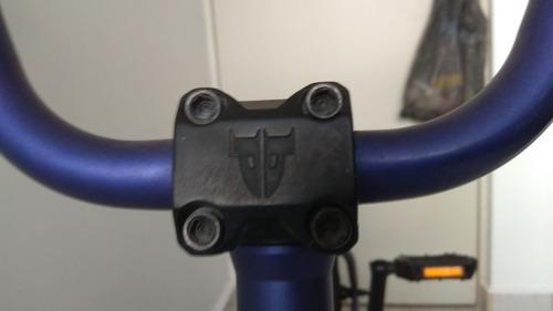 bicicleta bmx marca premium modelo subway
