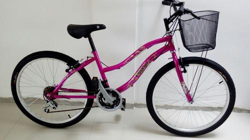 bicicleta con canasta para mujer de paseo