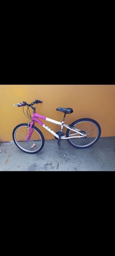 bicicleta cor branco com pink