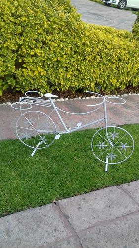 bicicleta de metal  macetera grande  vintage
