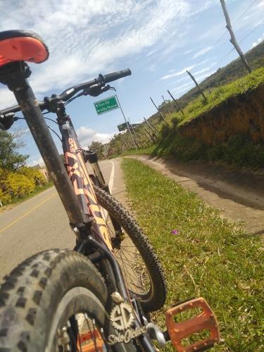 bicicleta de montaña marca venzo fx7, talla m, suspensión de
