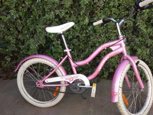 bicicleta de niña ,impecable !! escucho ofertas o permuto.