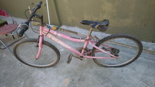 bicicleta de niña usada a restaurar