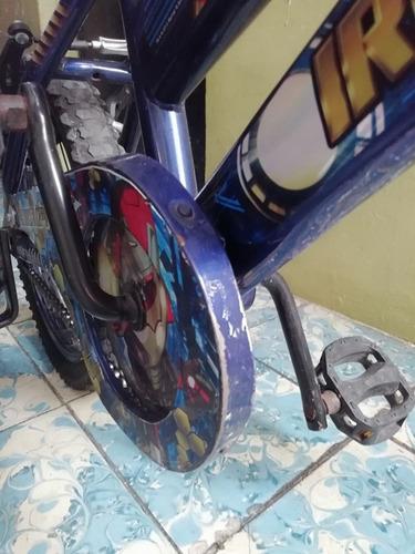bicicleta de niño usada de iron man rodado 16