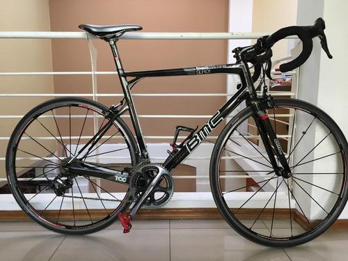 bicicleta de ruta bmc.