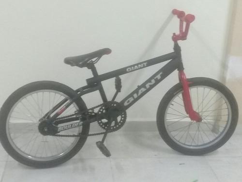 bicicleta de tucos en buen estado