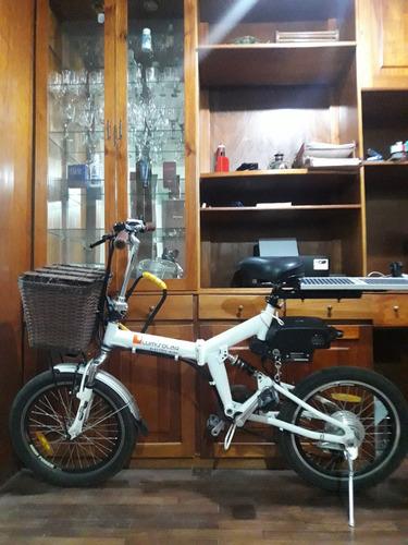 bicicleta eléctrica con panel solar