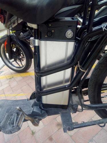 bicicleta electrica negra