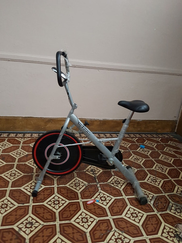bicicleta estacionaria gym master en lince