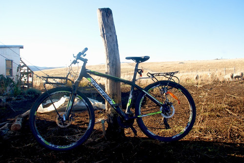 bicicleta, frenos de disco, muy buen estado!