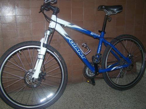 bicicleta giant 26