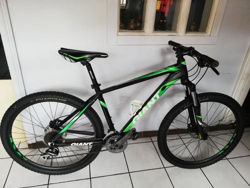bicicleta giant rincón 27.5 buen estado