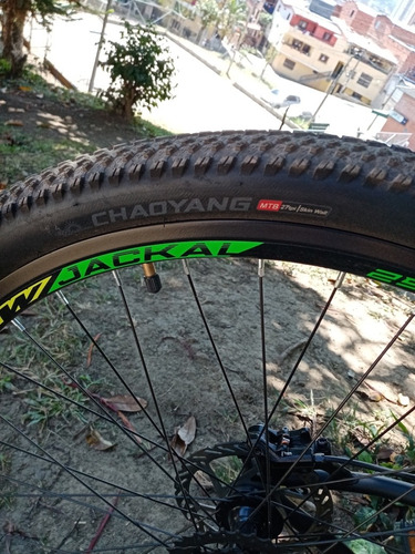 bicicleta gw jackal freno hidráulico todo el grupo es shiman
