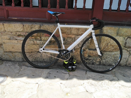 bicicleta on trail con buenos componentes