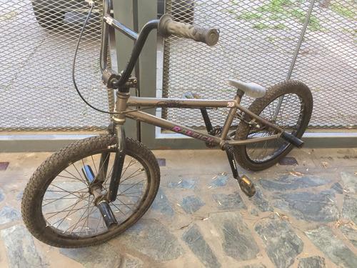 bicicleta raleigh jump x3