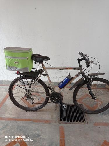 bicicleta rin26, tripas y cauchos nuevos , cambios shimano.