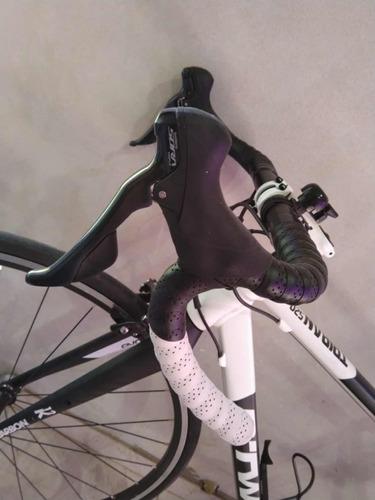 bicicleta ruta b-twin, aluminio con horquilla de carbono