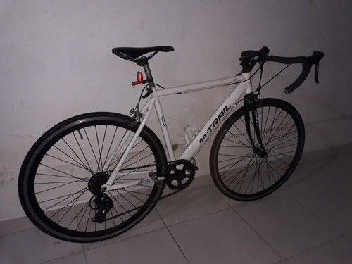 bicicleta semiruta , frenos y cambios integrados ergopower