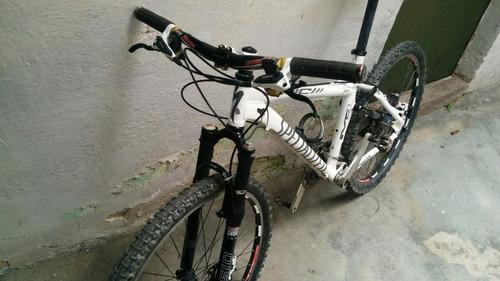 bicicleta specialized epic pro m4