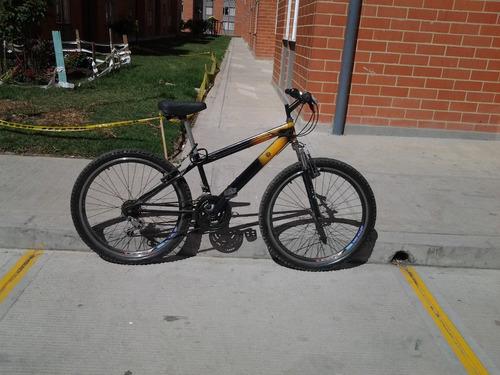 bicicleta todo terreno de alta montaña