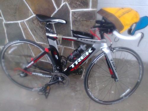 bicicleta trek speed concept de triatlon incluye accesorios