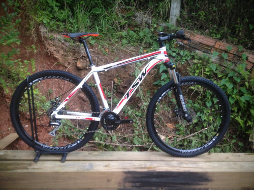 bicicleta tsw 29 24v shimano acera trocador e câmbio c/trava