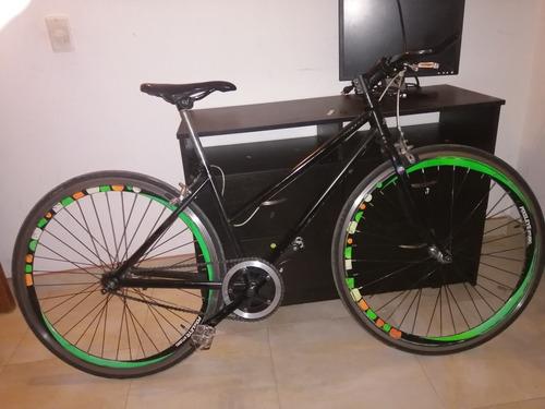 bicicleta urbana con candado