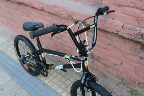bicicleta vairo skull rodado 20 bmx freestyle. planet cycle.