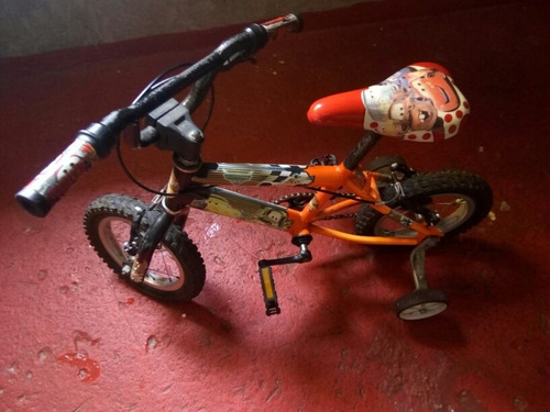 bicicleta y bolqueta para niño