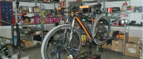 bicicletas taller, reparación, accesorios ,centrados